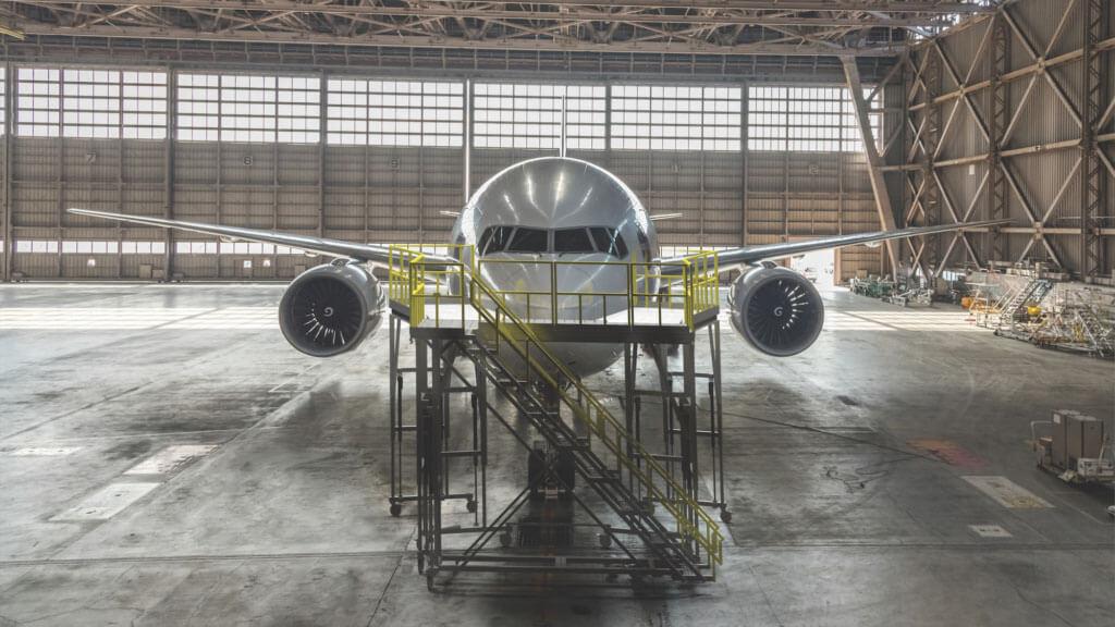 飞机机头的平台电动推杆同步